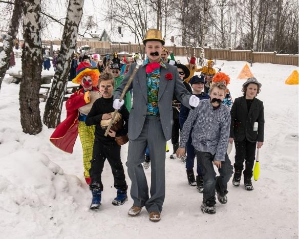 Karnevalstog 2013 - Steinerskolen på Hedemarken
