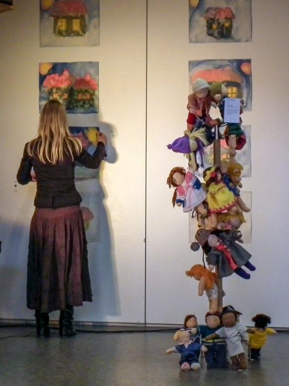 30-årsjubileum dokker malerier 2011-Steinerskolen på Hedemarken