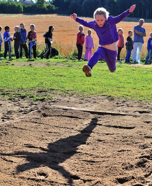 Idrettsdag 2012 lengdehopp 2kl-Steinerskolen på Hedemarken